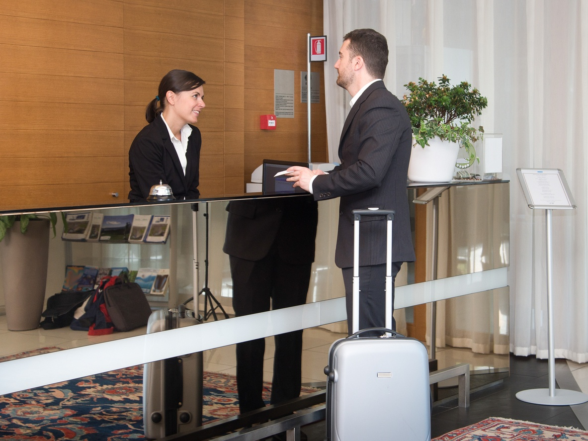 5 Benefits of VoIP for Your Hotel