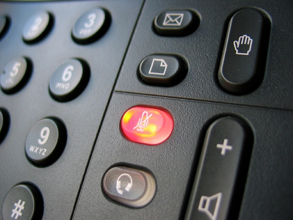 5 Great VoIP Features for Your Hotel